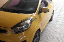 Cần bán Kia Morning Sposrt AT sản xuất 2011, màu vàng, nhập khẩu xe gia đình