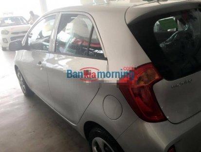 Cần bán Kia Morning 1.0MT đời 2016, màu bạc, xe nhập