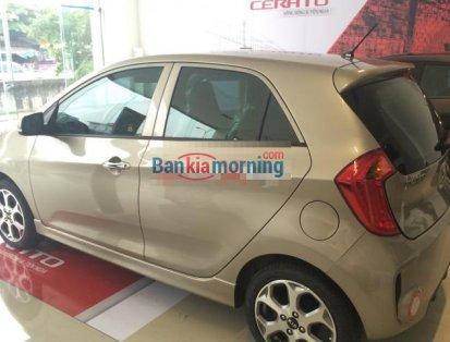Cần bán Kia Morning Si-MT đời 2016, màu vàng, 373tr